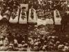 Сахрана стрељаних мештана Злакусе после битке на Градини