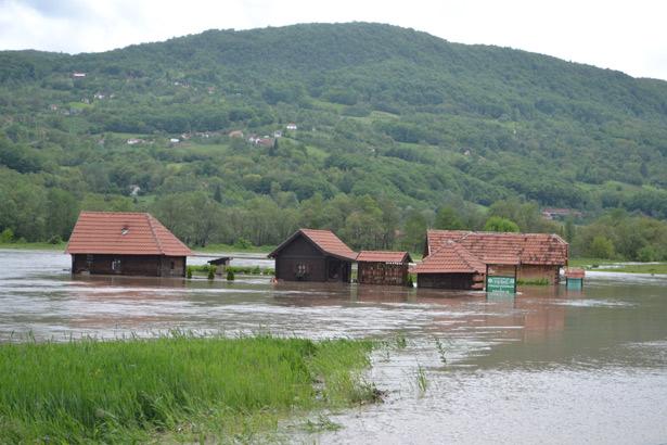 poplava_u_zlakusi-01